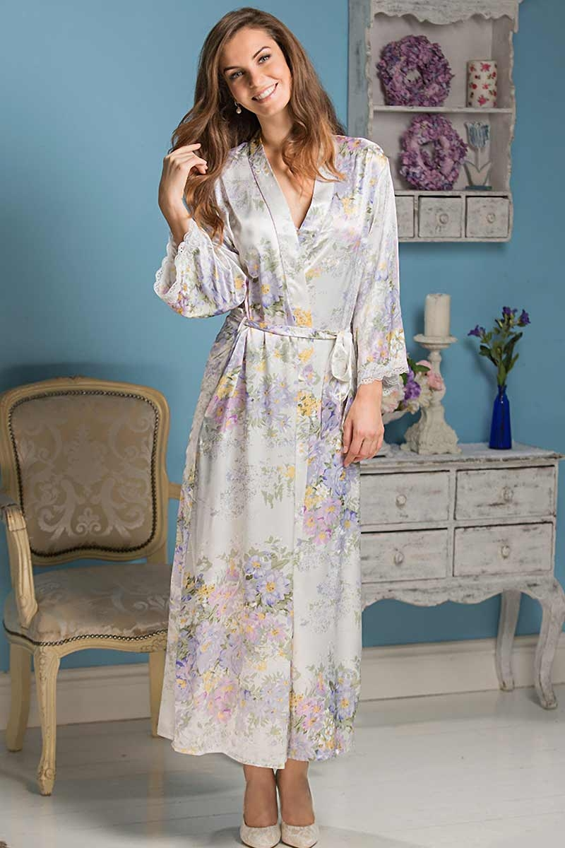 Длинный халат из шелка Lilianna 5999